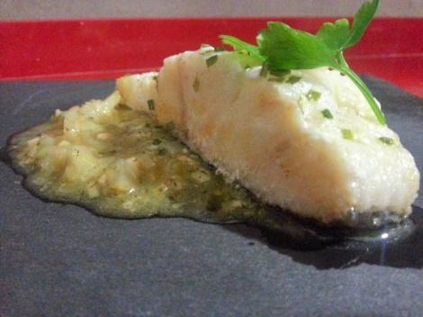 Bacalao con salsa de viñaverde y pera
