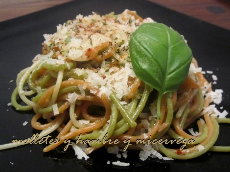 espaguetis al ajillo emplatado
